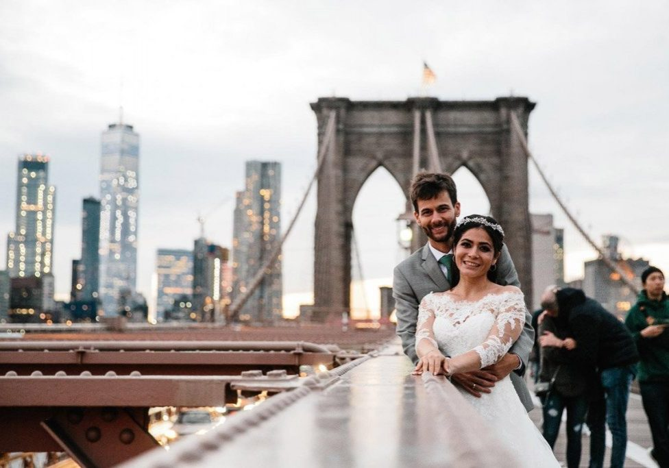 brooklyn-bridge-wedding-couple-photo (1)